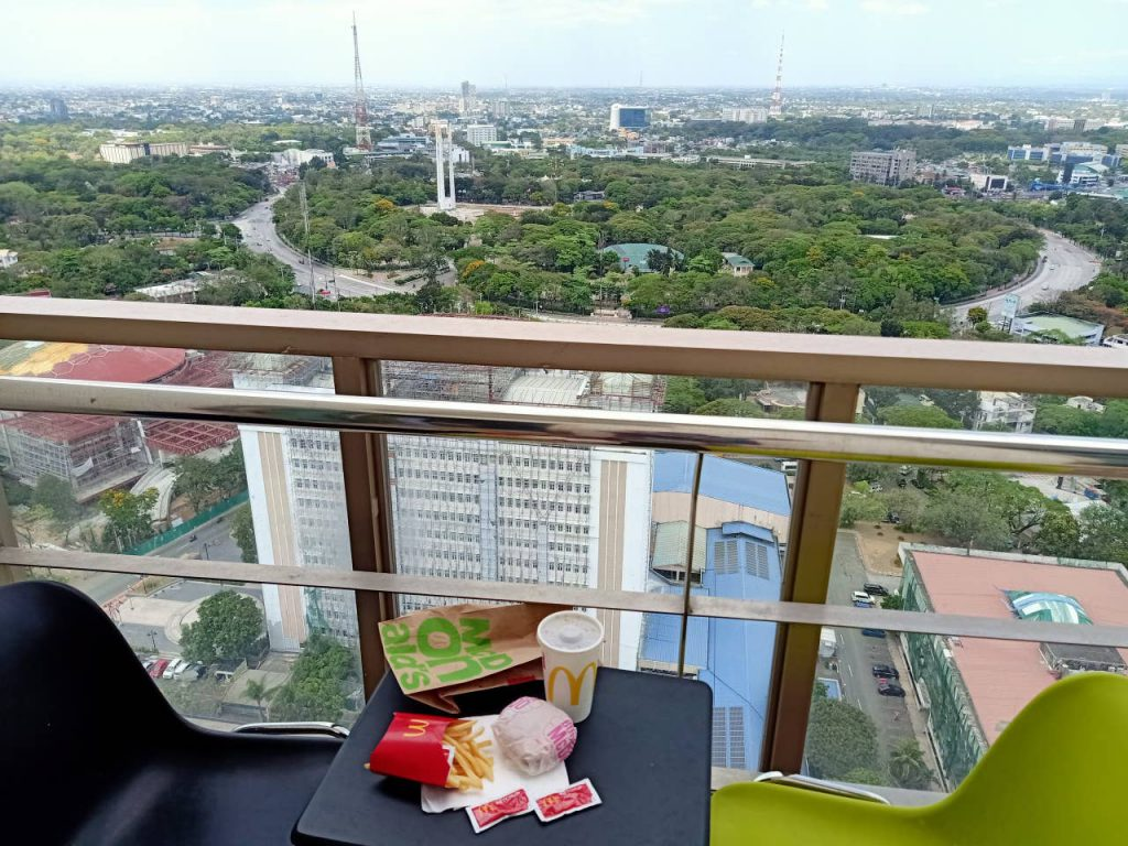 airbnb-condo-with-view-in-quezon-city
