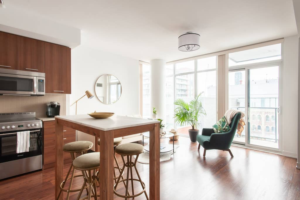 toronto airbnb podcast interview 2