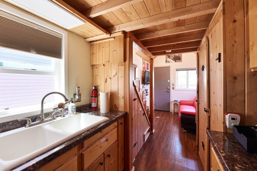 tiny-house-oakland-airbnb-2